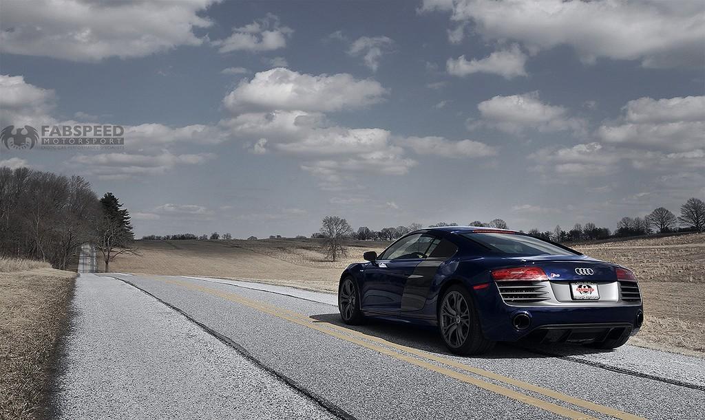Audi R8 Driving
