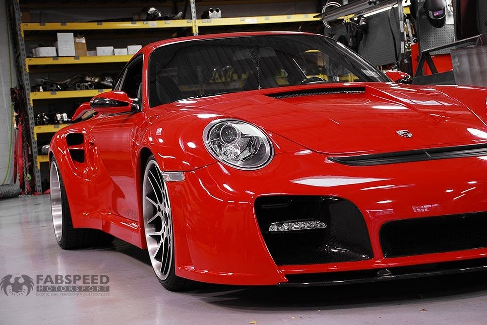 Porsche 997.2TT Wicked GTR 650 Front Angle