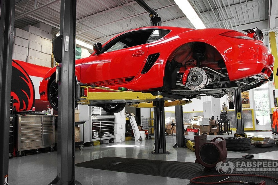 Porsche Cayman R on Lift